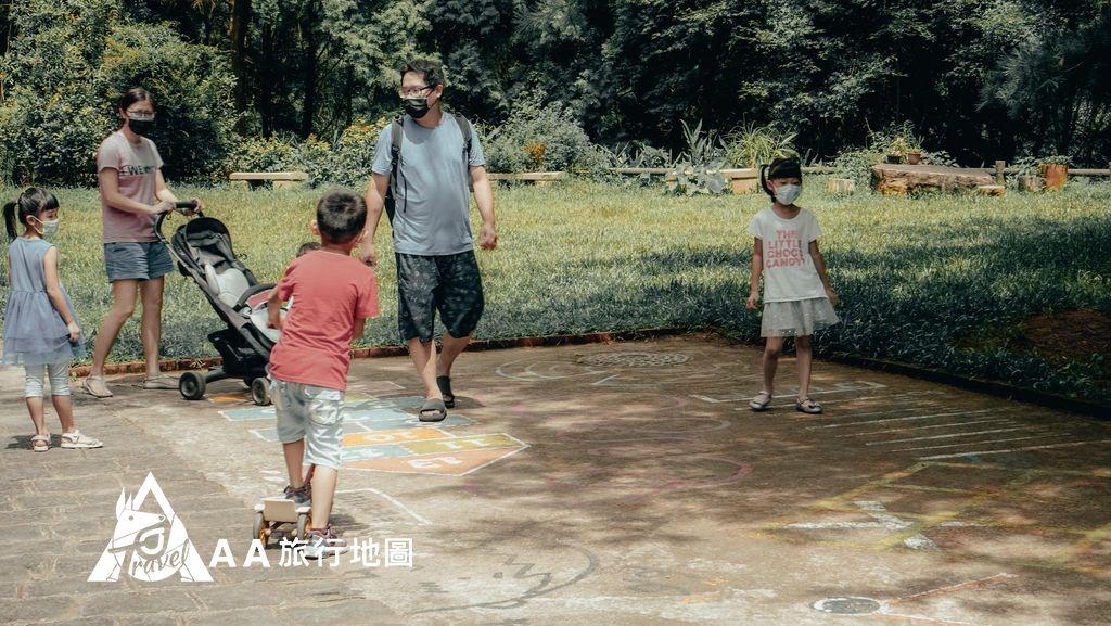 大山北月 別的客人也帶著孩子享受這大自然的禮物與以前那種簡單的快樂