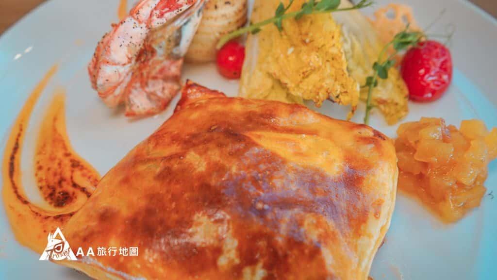 水灣餐廳榕堤爐烤松露酥皮雞腿