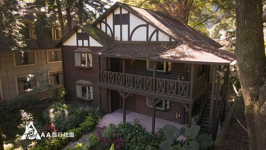 蟬說和社山林包 棟木屋再來一張,真的很漂亮