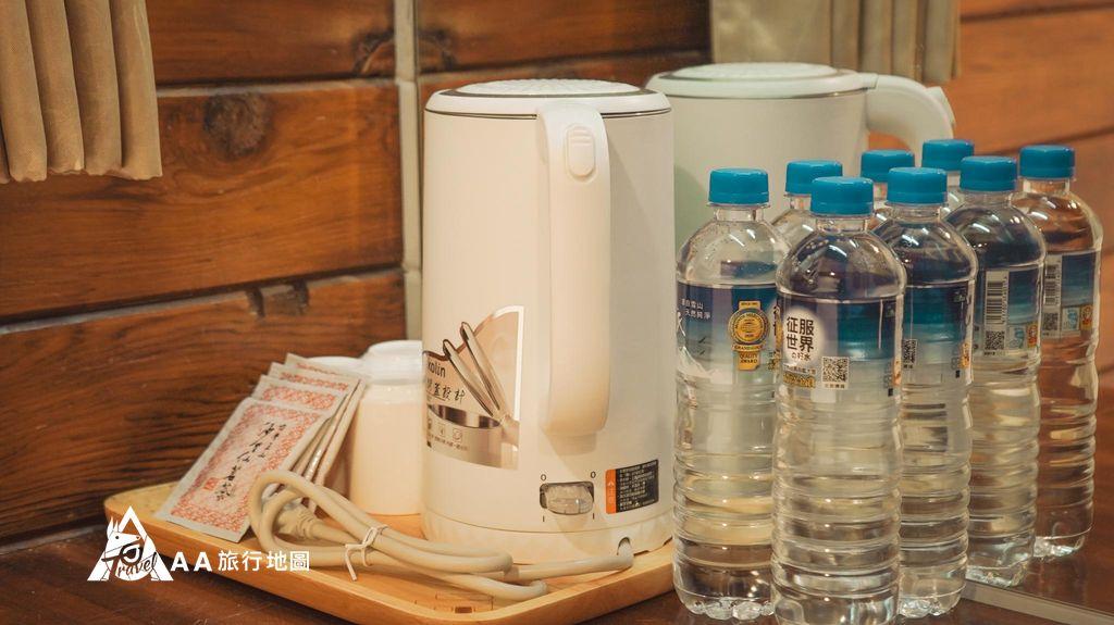 蟬說和社山林每個房間都有準備水和熱水壺,還有沙里仙的 烏龍茶