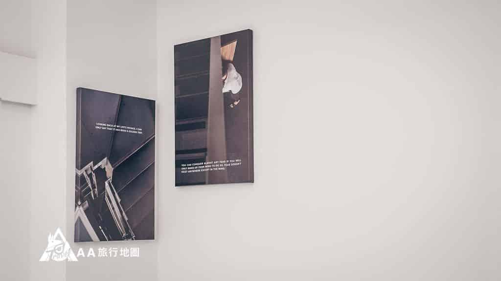 衡定理旅宿牆上很多用衡定理本身的裝潢拍的照片