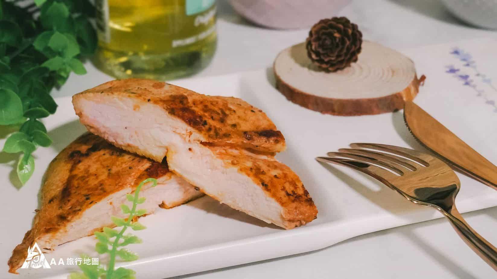 餓貳市場 BBQ口味的雞胸肉比較合 Aa 的口味,稍微比較有味道