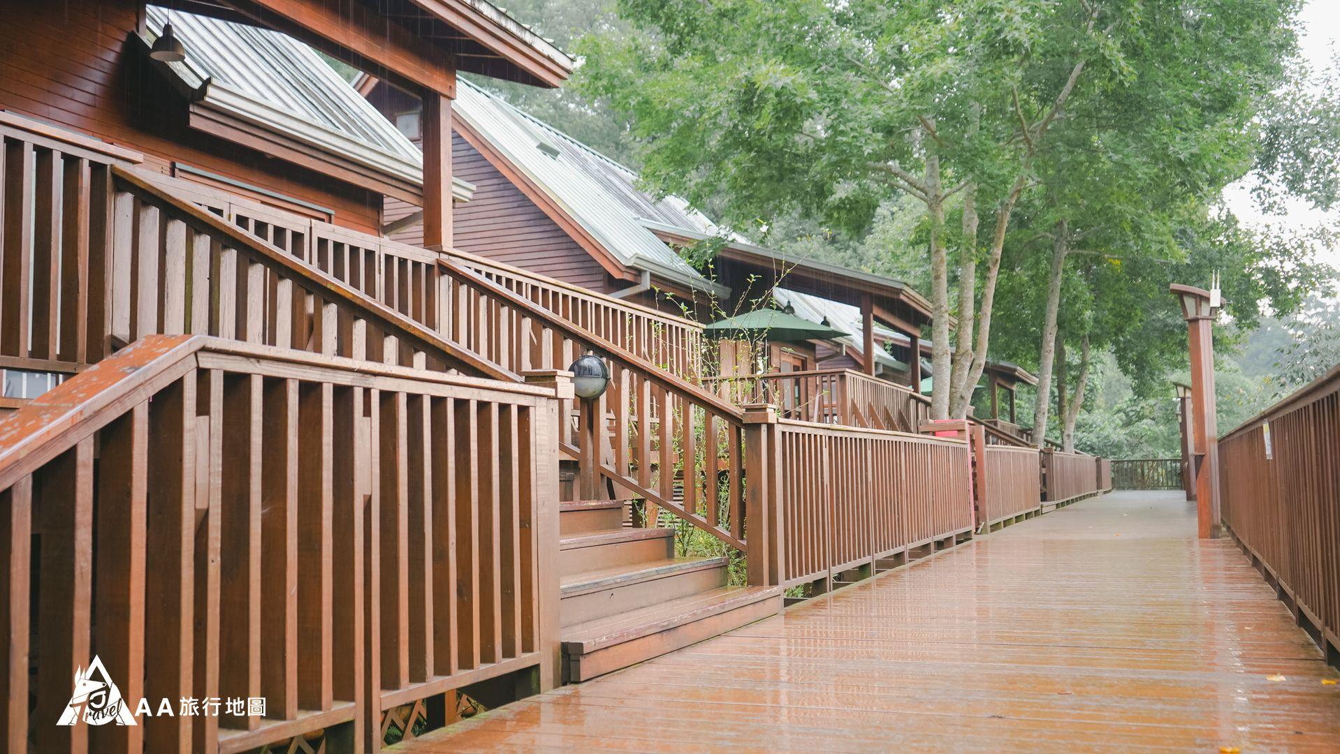 鳳凰亭序 下雨的時候拍走路的長走廊也別有一番風味