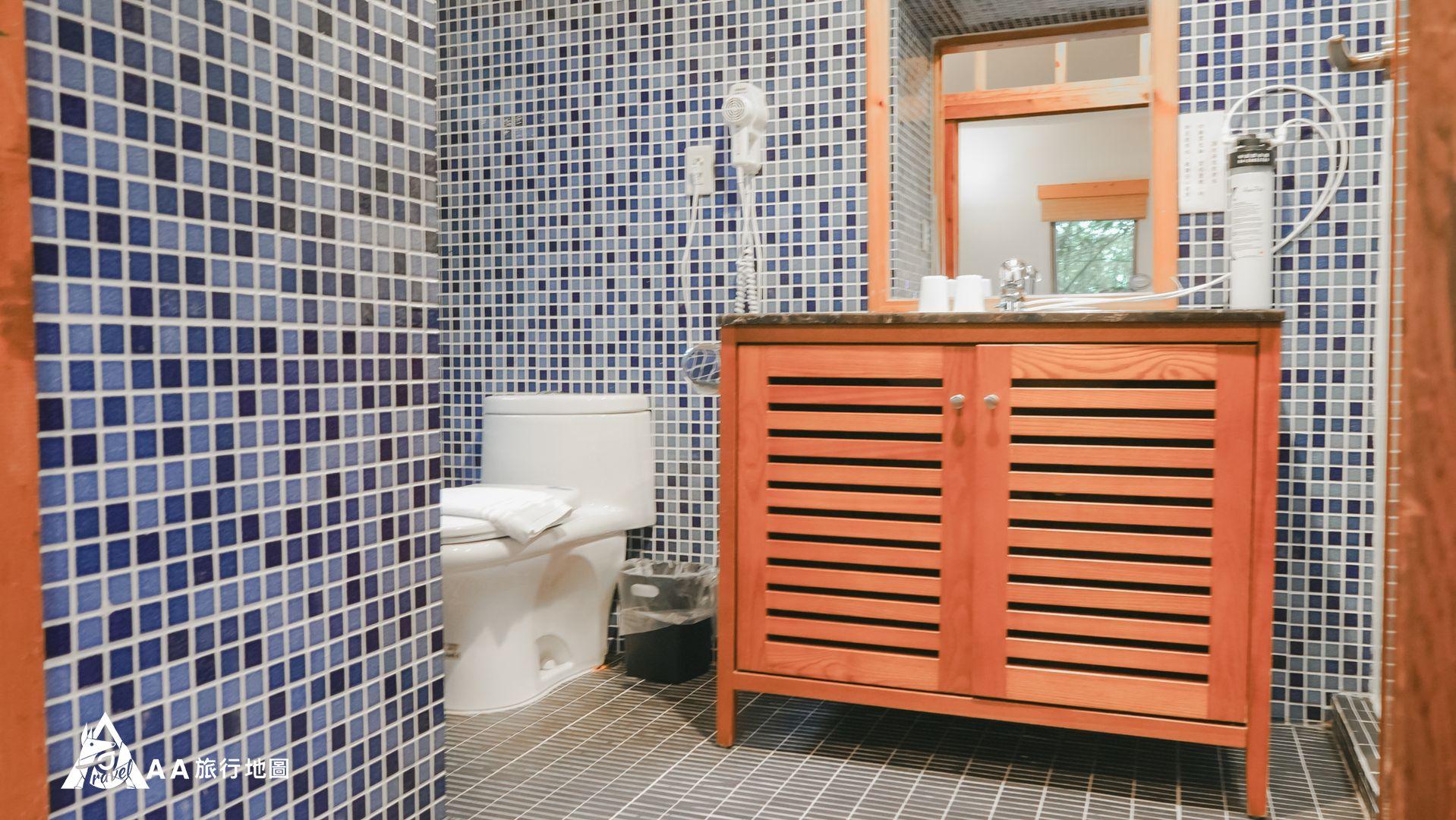 鳳凰亭序 浴廁的空間很大,感覺非常舒適