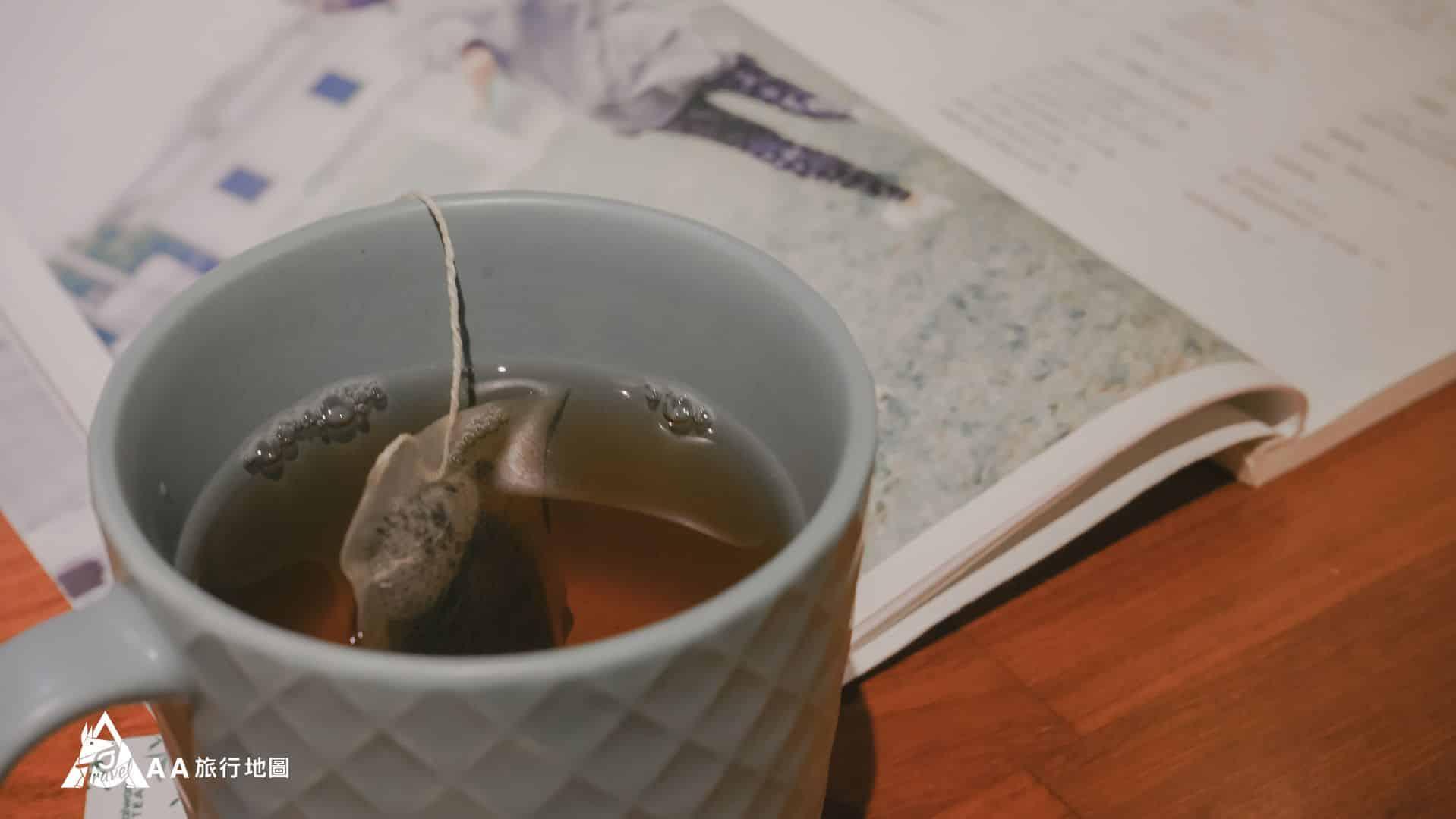 鳳凰亭序 這邊附的沙里仙紅茶泡起來真的很好喝