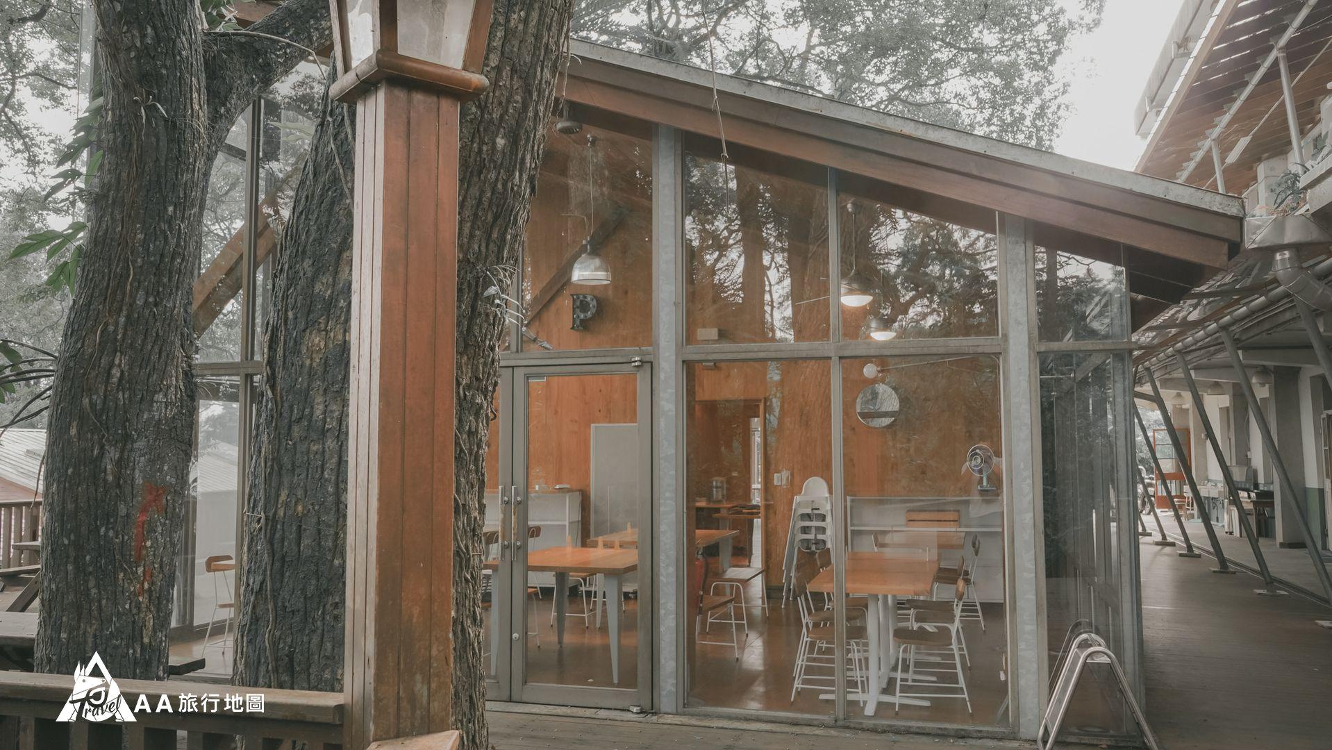 鳳凰亭序 餐廳外面拍起來也有一種到了國外的感覺