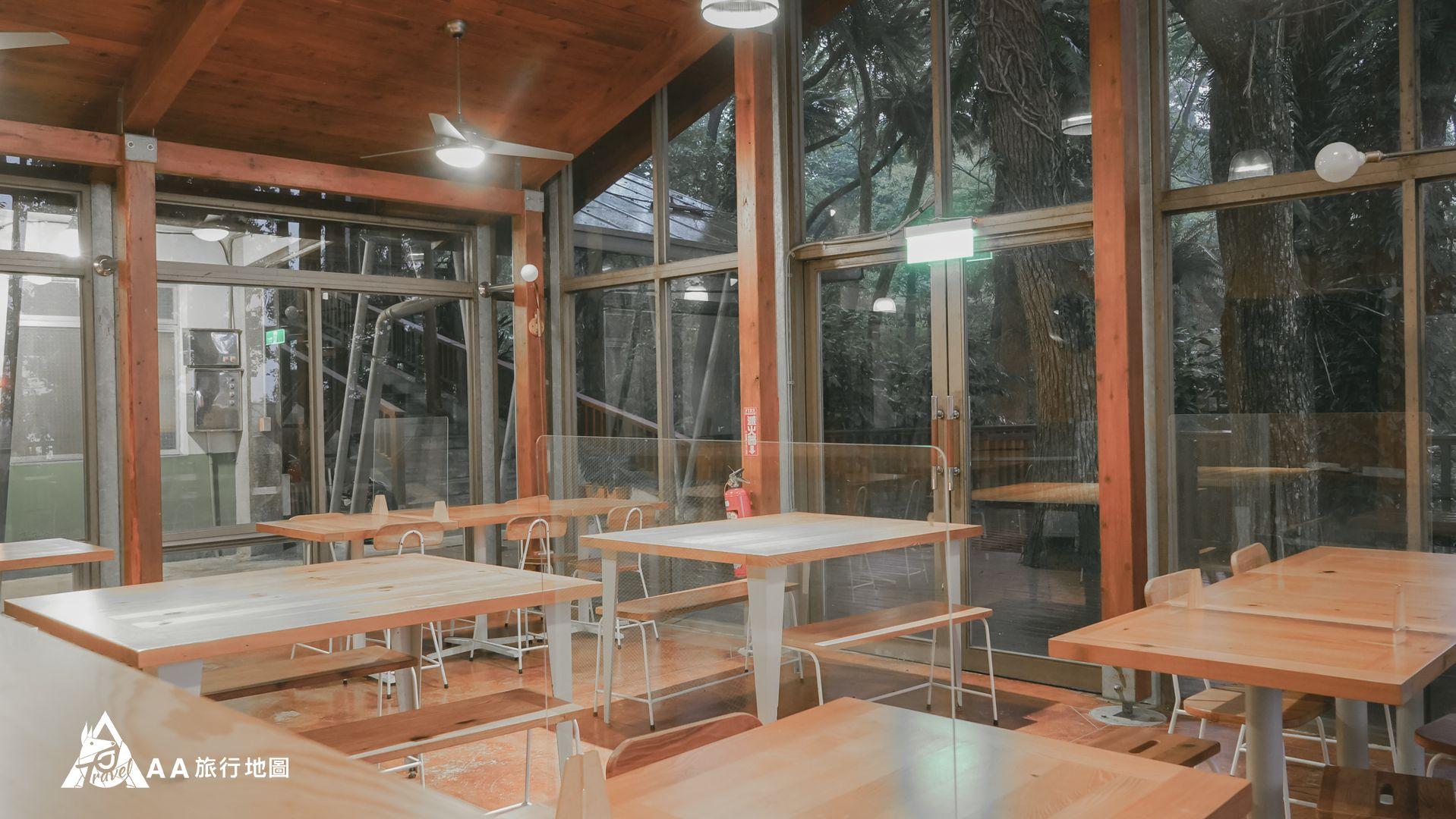 鳳凰亭序 餐廳第二用餐區拍起來的感覺,很寬敝
