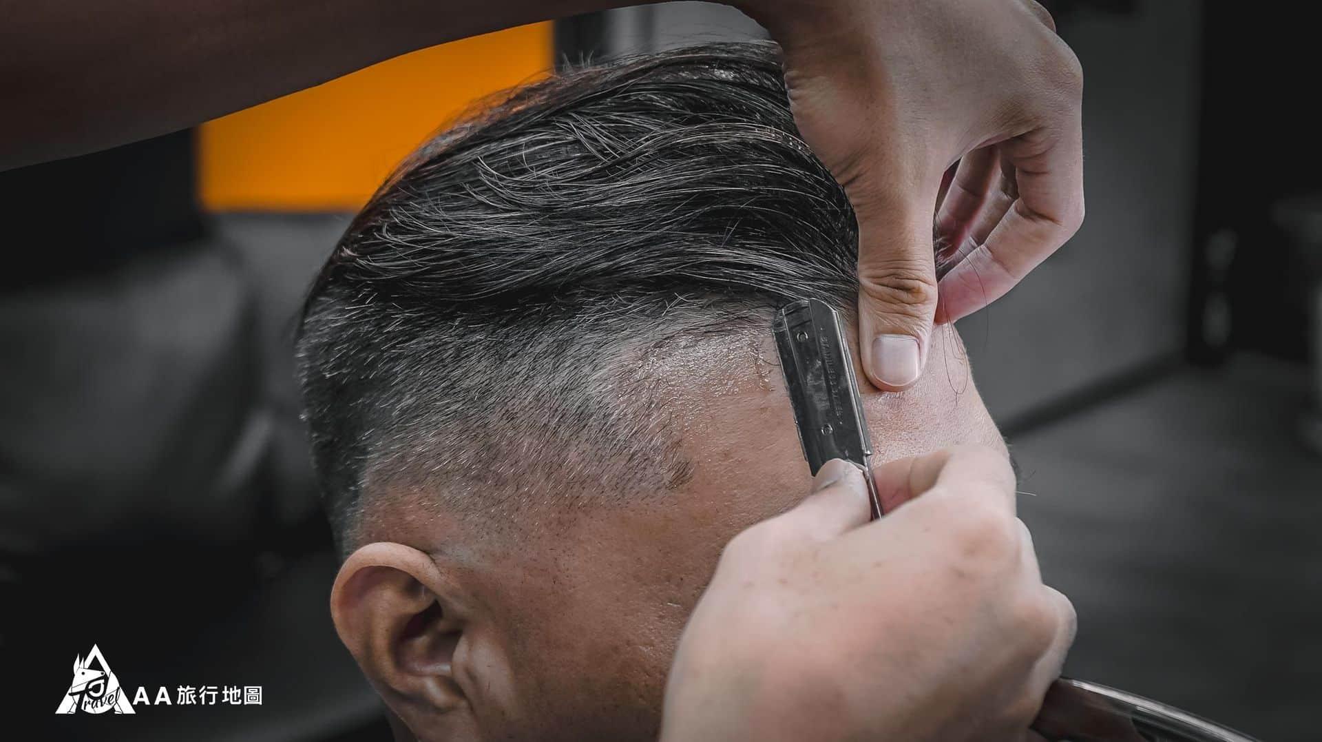 HomeComing 很久沒有遇到有用剃刀的店家了,比一般外面用推剪的爽度就是夠
