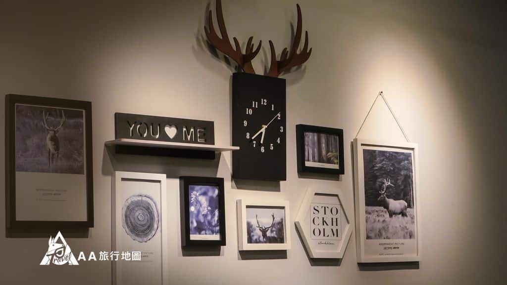 TAIPEIYES牆上掛了很多旅行相關的巧思設計